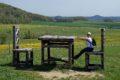 Obří stůl a židle na Lánském Vrchu